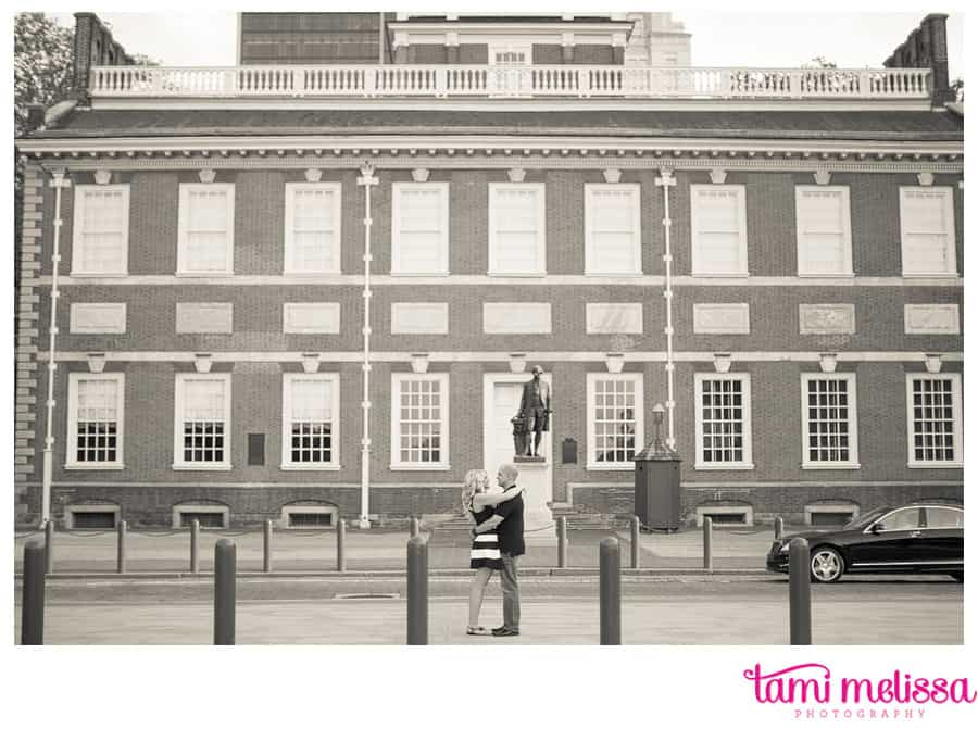Kelly_Dan_Independence_Hall_Old_City_Philadelphia_Engagement_Photography-0009