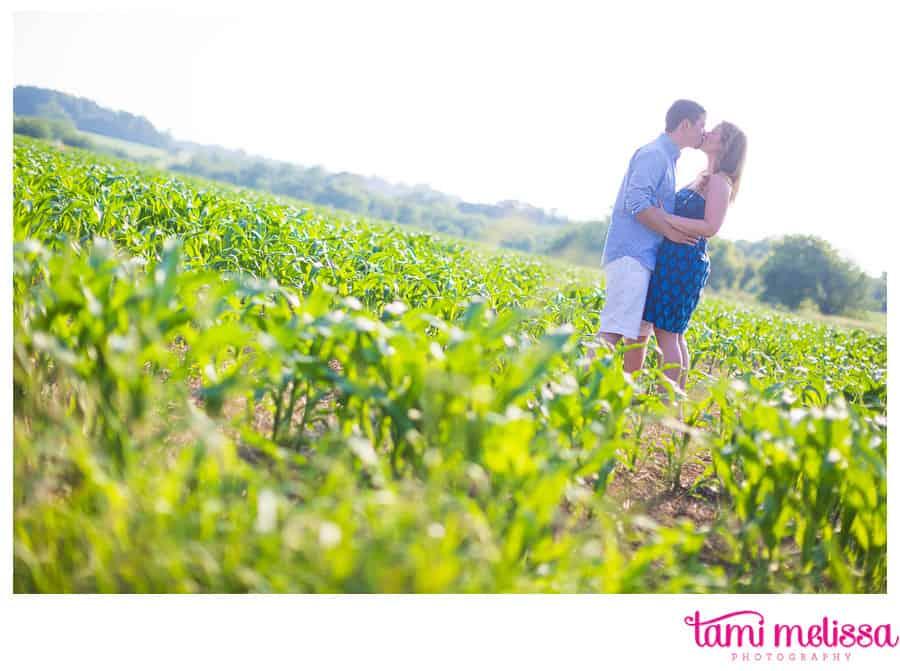 Megan_Keith_Norristown_Farm_Park_Holi_Powder_Engagement_Photography-0011