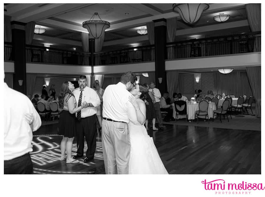 Meghan_Derek_Collingswood_Grand_Ballroom_Wedding_Photography-0163