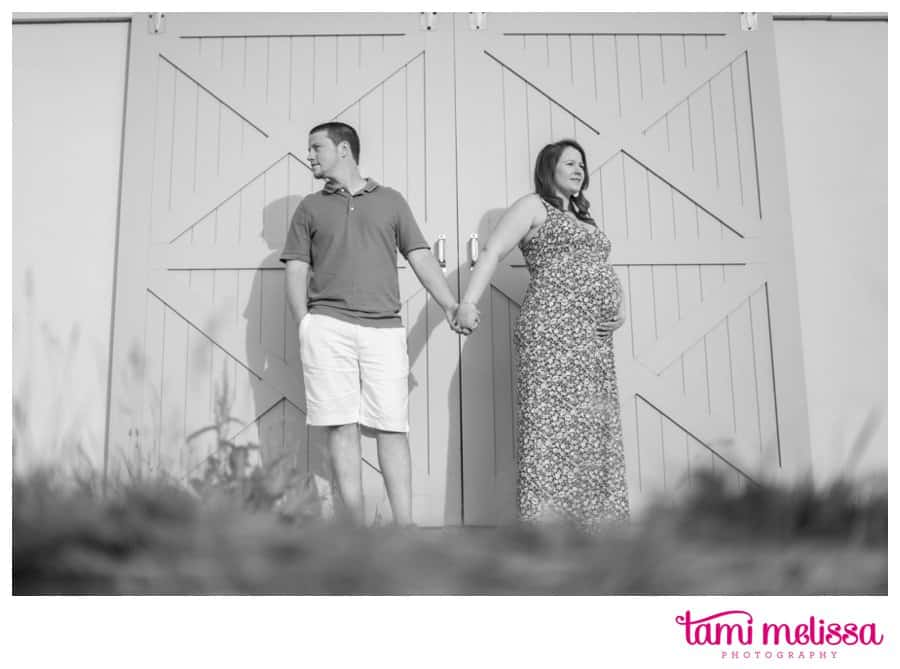 Megan-Keith-Baby-Bump-Norristown-Farm-Park-Maternity-Photography-0008