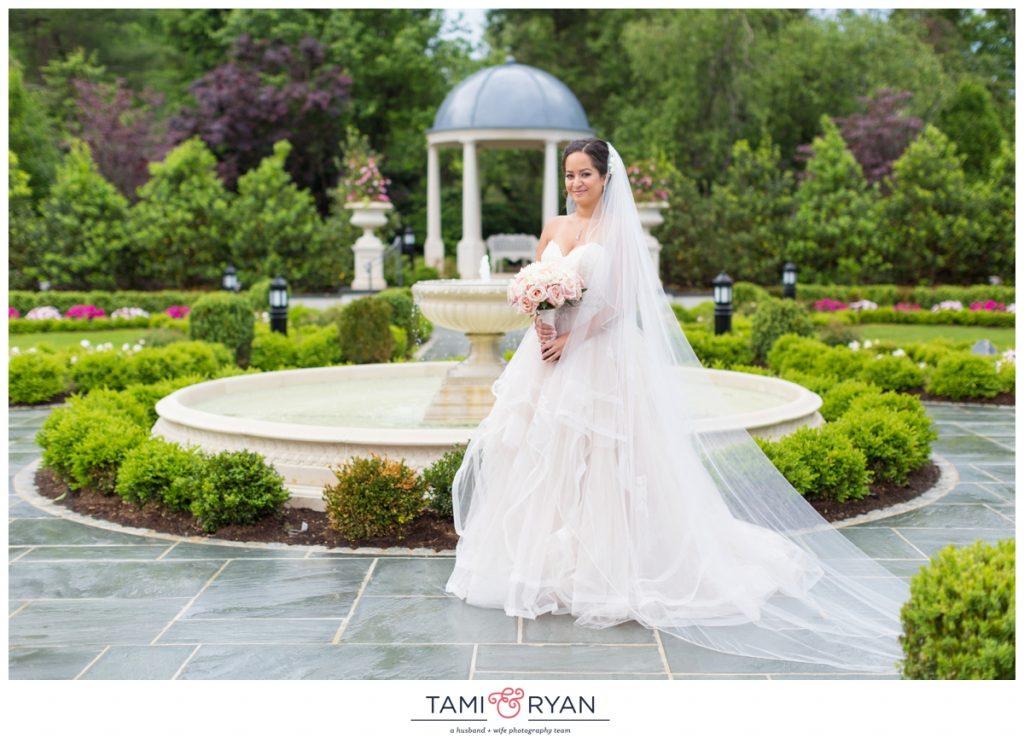 bride groom park chateau gardens