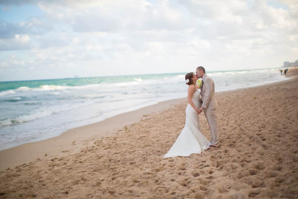 Danielle_Jeff_Pelican_Grand_Florida_Destination_Wedding_Photography-0063