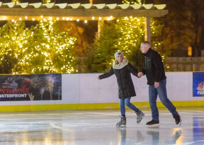 Giovanni-Carol-Philadelphia-River-Rink-Surprise-Proposal-Engagement-Photography-0012