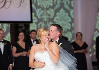 Jessie-Pat-Loews-Rooftop-Philadelphia-Vie-Cescaphe-Wedding-Photography-0174