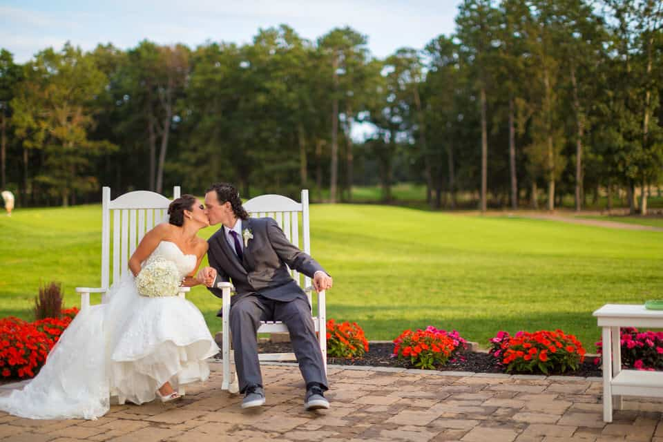 Lauren-Sonny-Running-Deer-Golf-Club-Wedding-Photography-0038