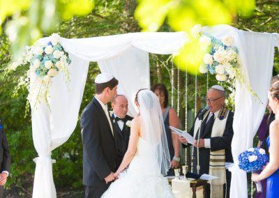 Robin-Matt-Rams-Head-Inn-Jewish-Wedding-Photography-0070