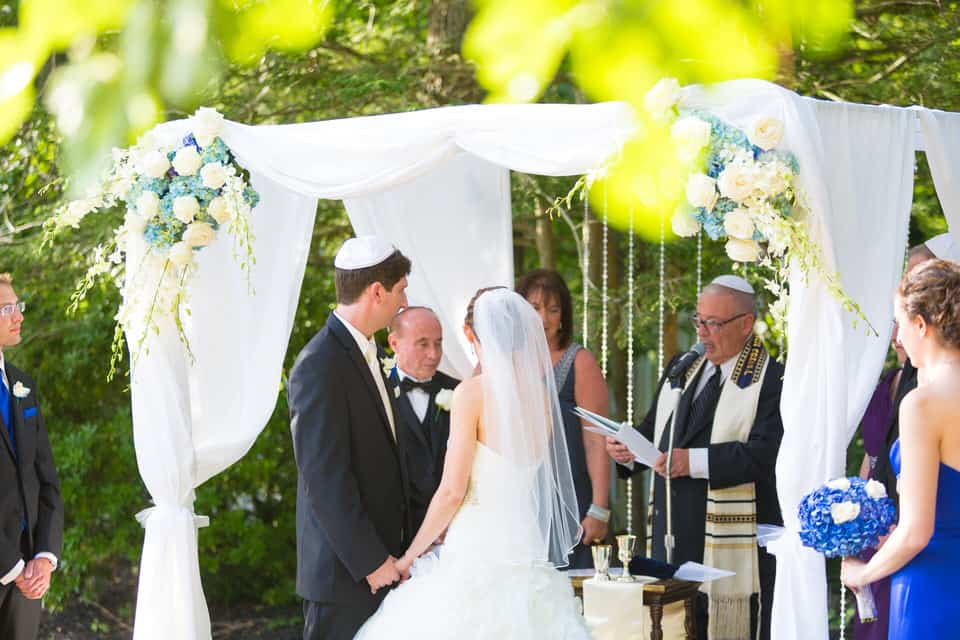 Robin-Matt-Rams-Head-Inn-Jewish-Wedding-Photography-0070