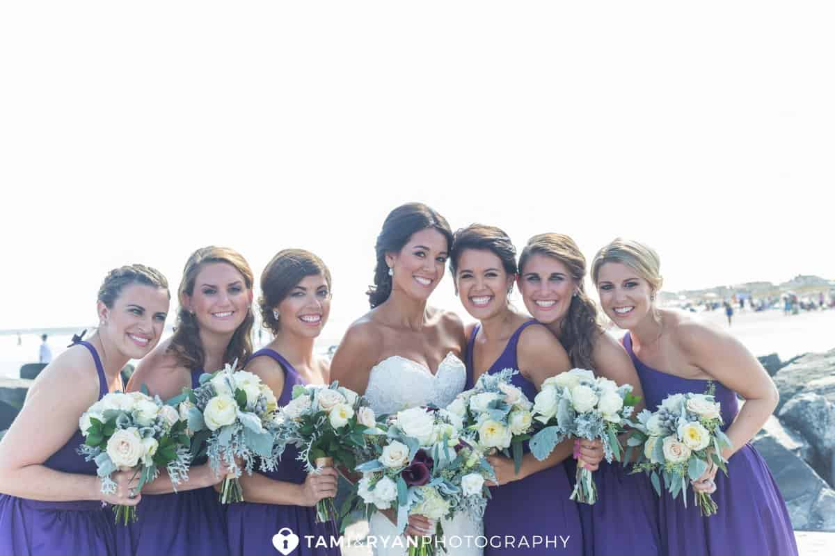 bride bridesmaids flowers