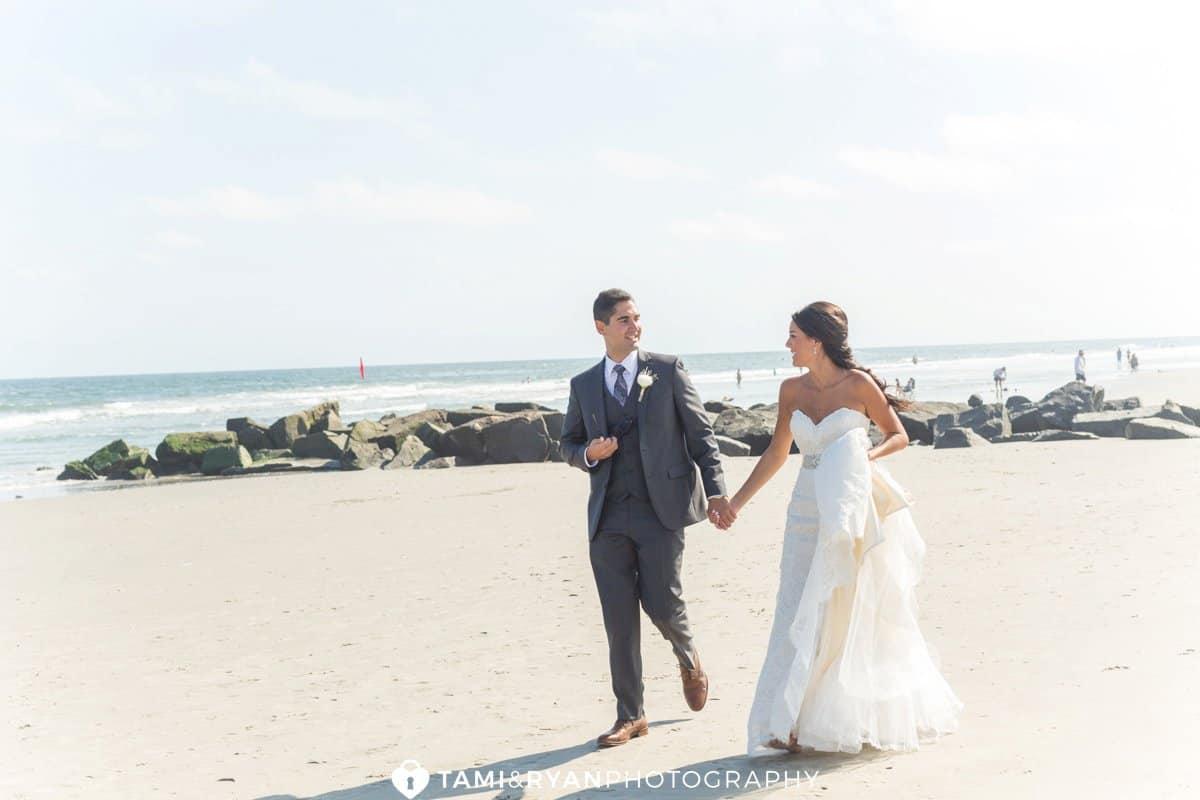 bride groom walking beach