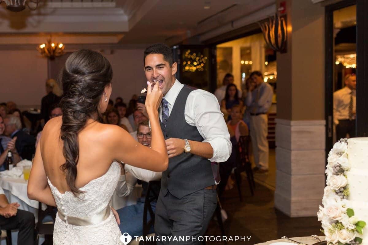 bride groom feed cake