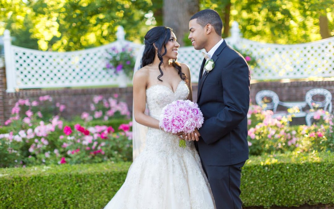 A Romantic Shadowbrook at Shrewsbury Wedding | Sari + Franklin