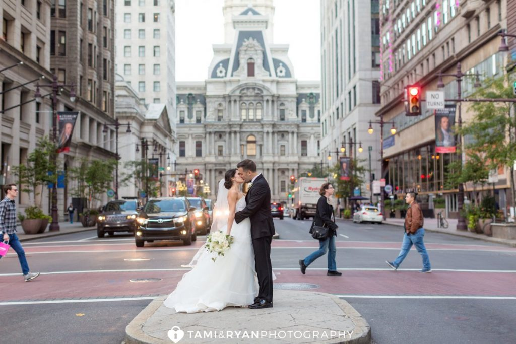 bride groom philadelphia city hall portraits