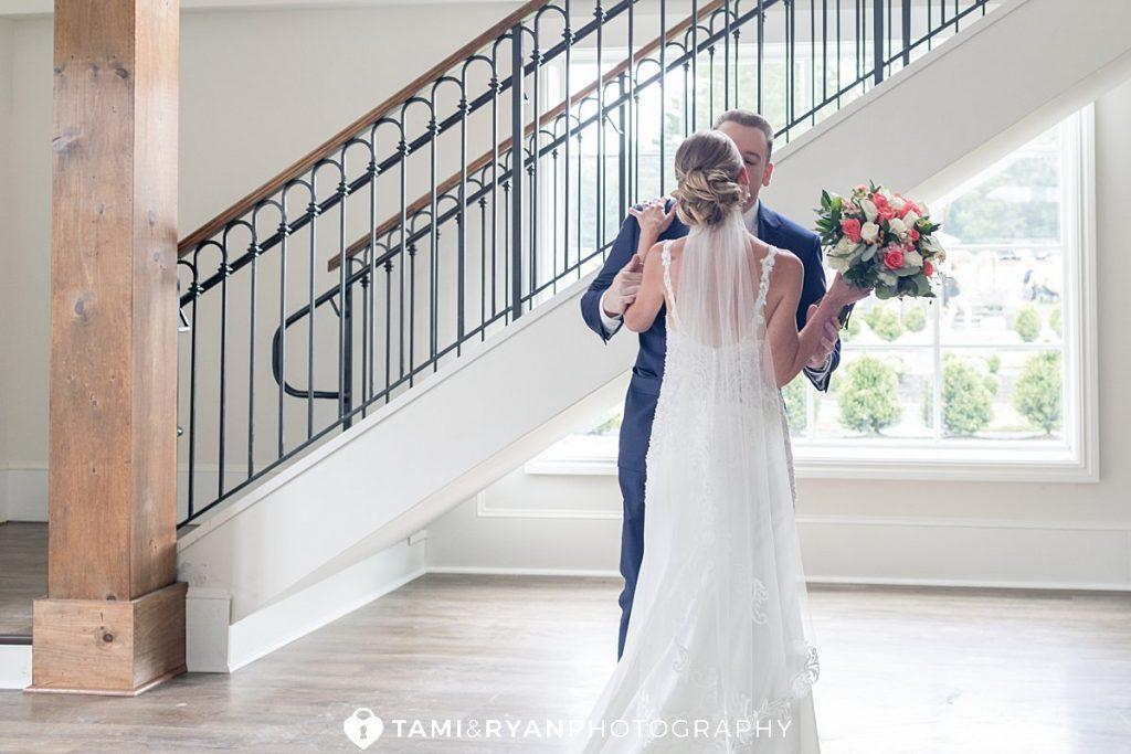bride groom first look renault winery