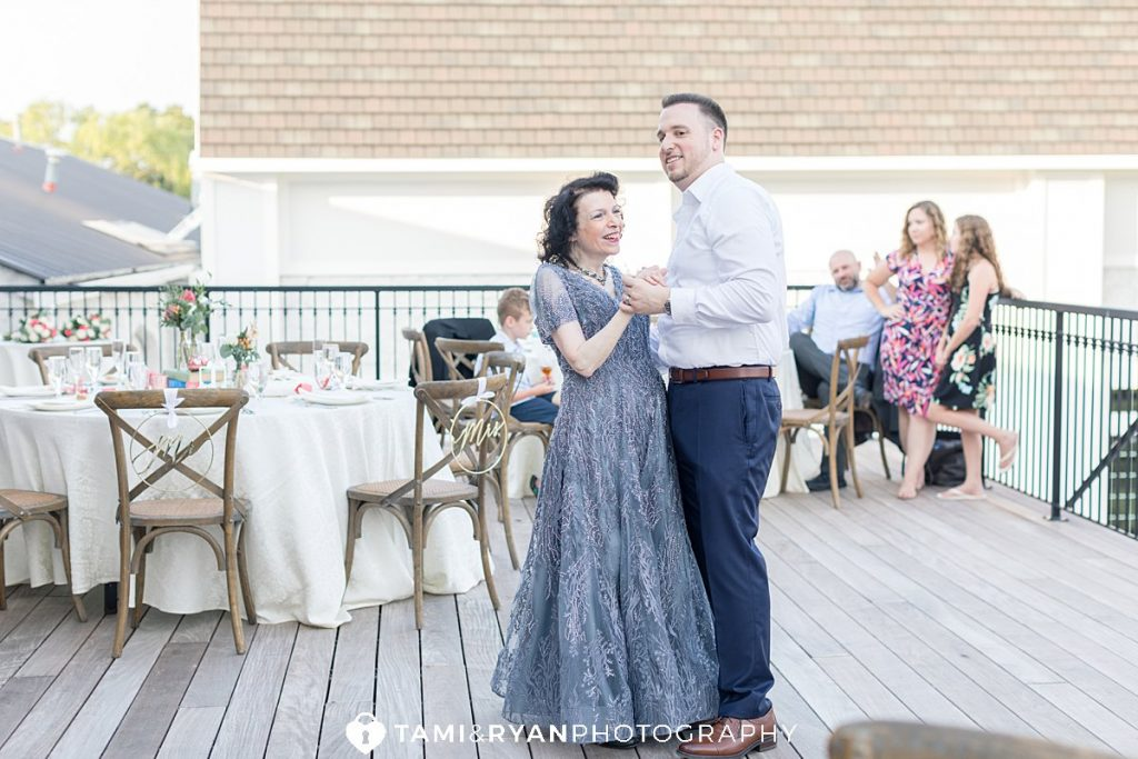 renault winery micro wedding reception